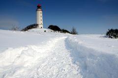 der Weg im Schnee