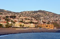 Der Westteil von Funchal auf Madeira am Abend