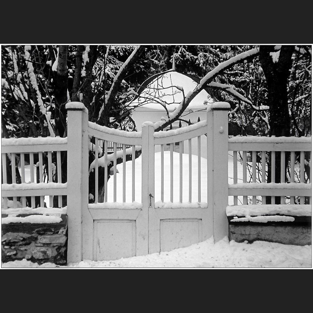 der winter liegt vor der t r foto bild europe schweiz liechtenstein kt graub nden. Black Bedroom Furniture Sets. Home Design Ideas
