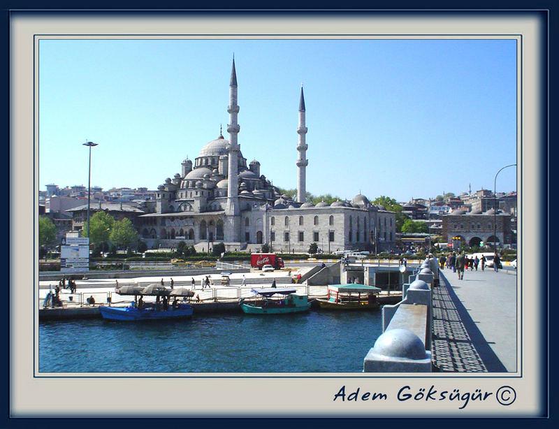 Der Yeni Moschee und die Galata-Brücke