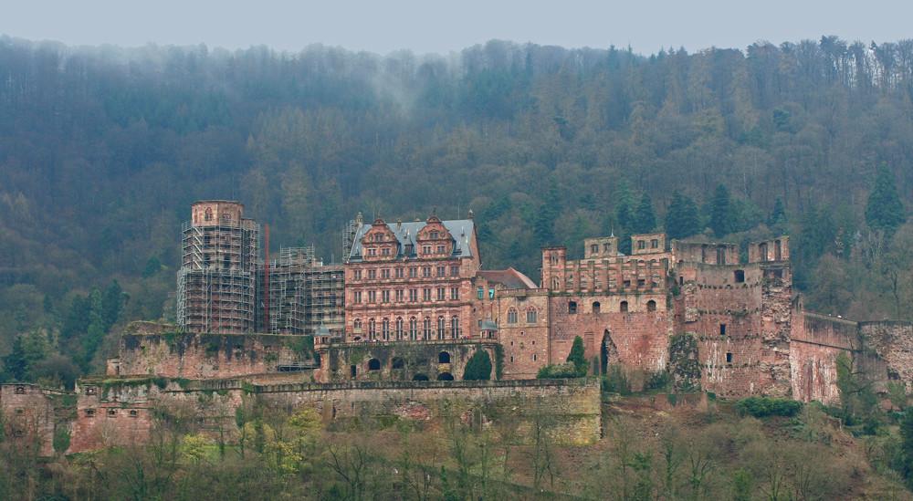 Der Zahn der Zeit nagt am Heidelberger Schloß