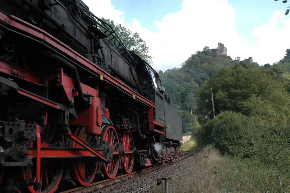 Der Zug kommt (II)