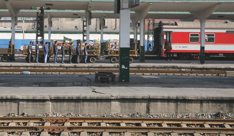 Der Zug nach Lhasa - ... und wer von euch moechte die Lokomotive spielen?