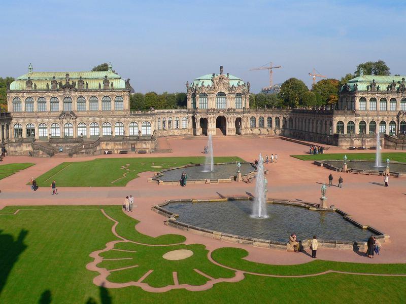 Der Zwinger in Dresden -- wo viel Licht ist, ist auch viel Schatten