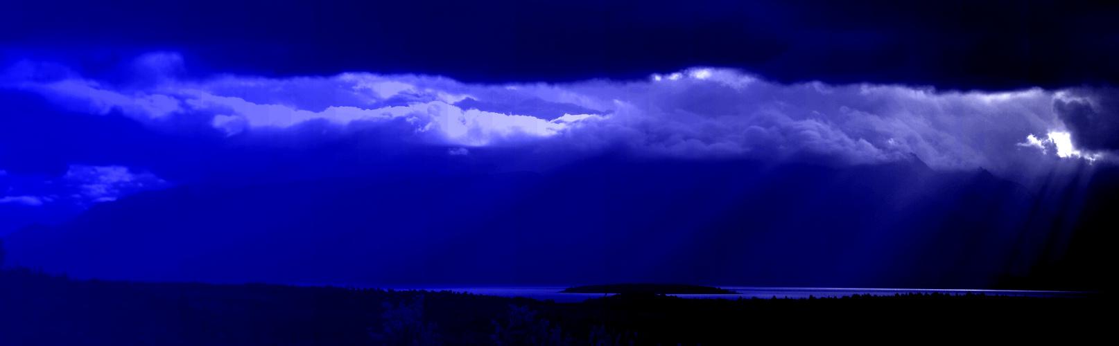 Derniers rayons de lumière sur le Lake Te anau (NZ-South Island)