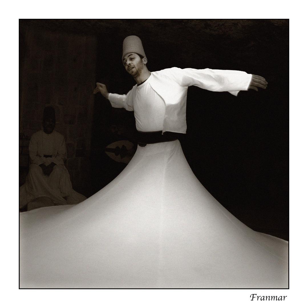 Derviche 1 (Inicio de danza)