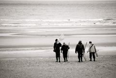Des pêcheurs en épuisette