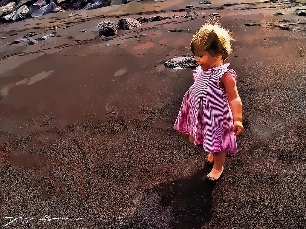 Descalza frente al mar