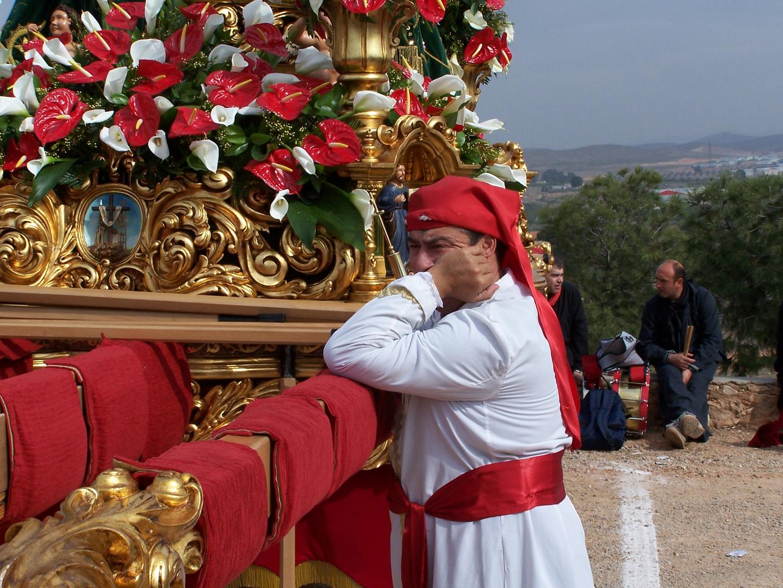 Descansando sobre el trono