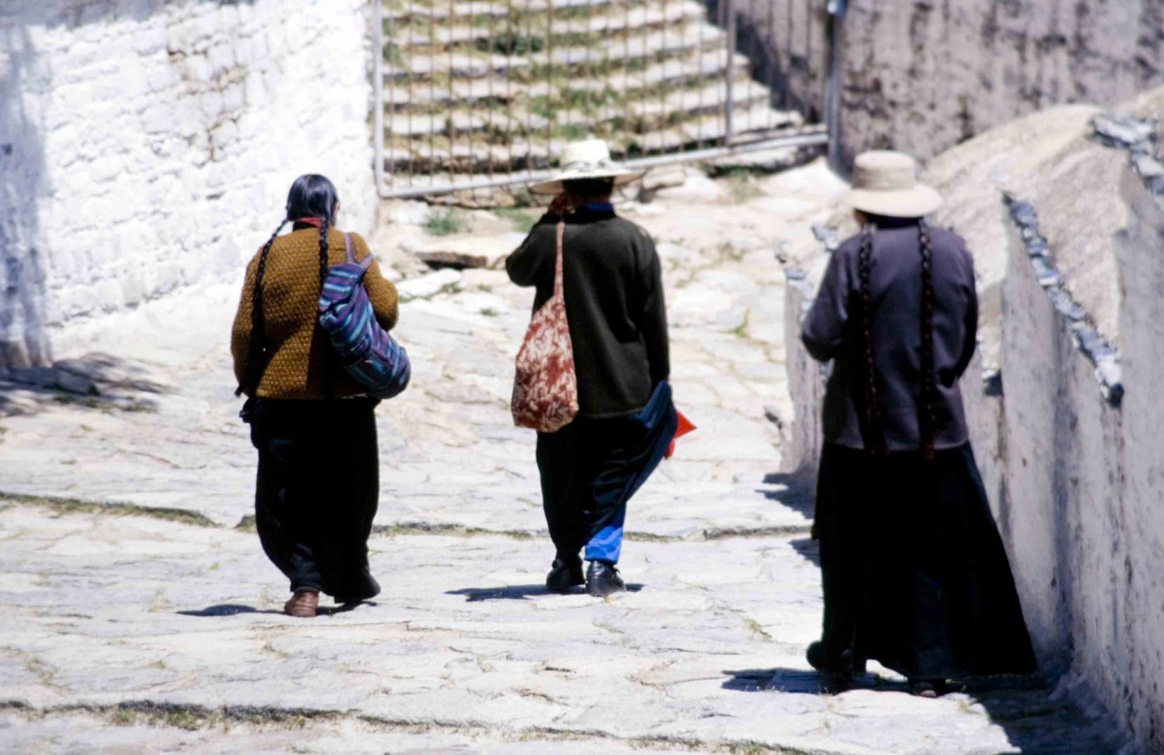 Descending after praying