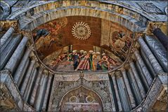 Description Venice - St. Marc's Basilica