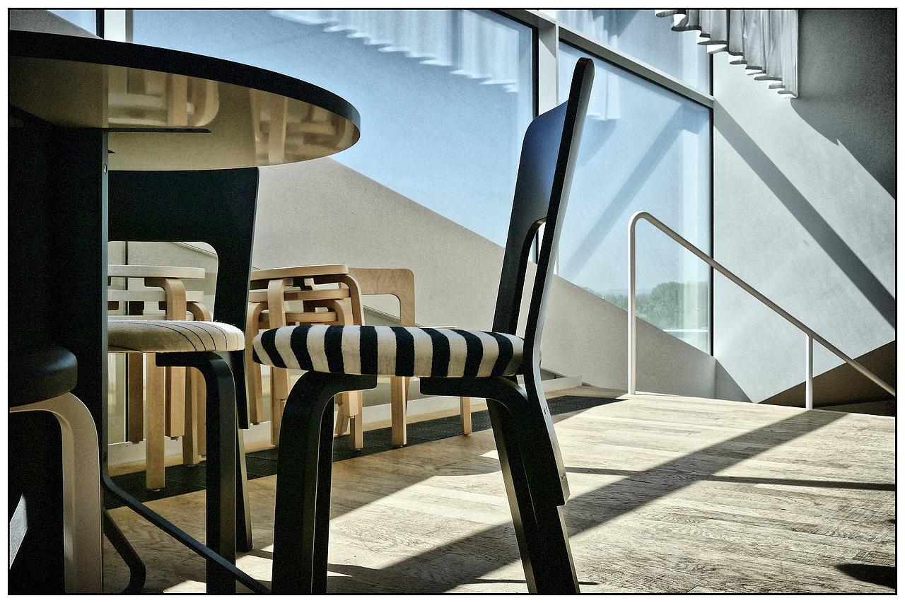 dessous de table photo et image architecture table reflets images fotocommunity. Black Bedroom Furniture Sets. Home Design Ideas