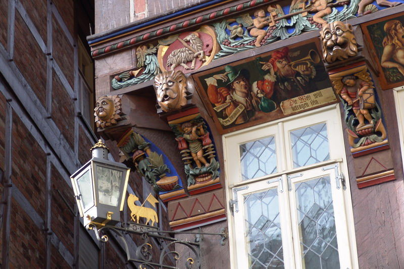 Detail am Knochenhaueramtshaus in Hildesheim.