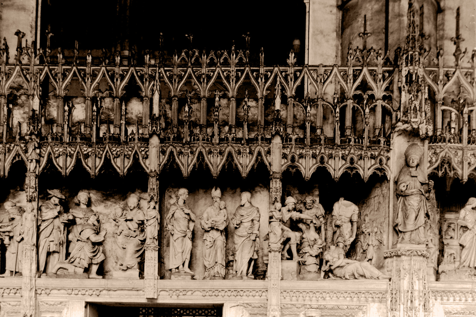 DETAIL - CHARTRES CATHEDRAL - FRANCE