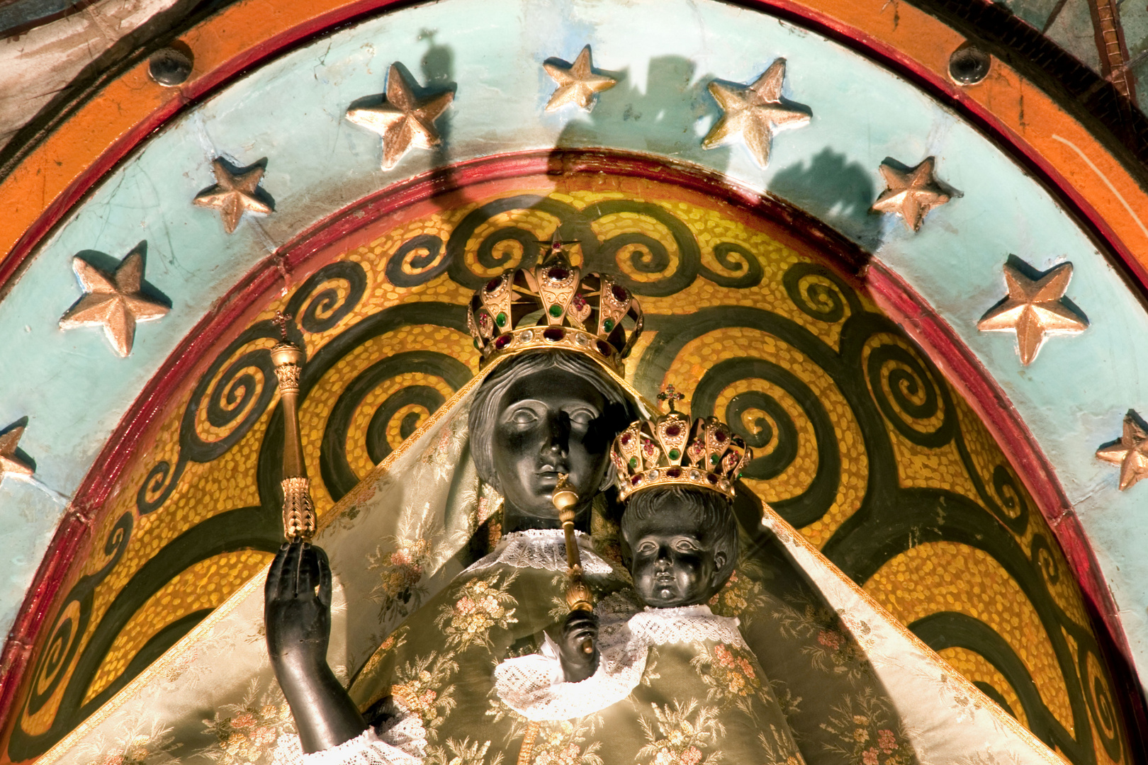 Detailaufnahme: Die schwarze Jungfrau von Toulouse
