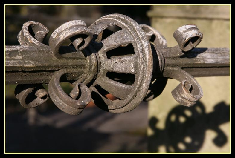 Details aus einem Schmiedeeisernen Zaun (I)