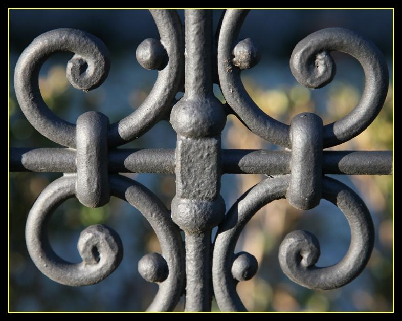 Details aus einem Schmiedeeisernen Zaun (II)