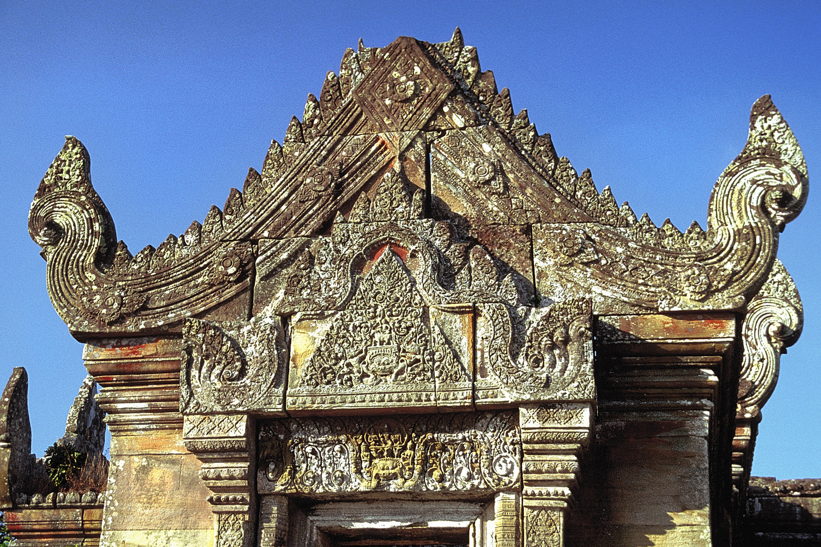 Details of the lentil carvings at Preah Vihear
