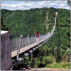Deutschland im Quadrat - Hängeseilbrücke Geierlay