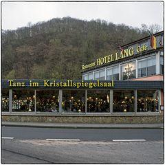 Deutschland im Quadrat - Tanz im Kristallspiegelsaal