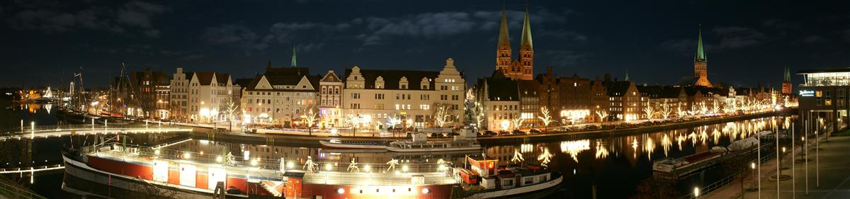 Dezember Nacht in Lübeck