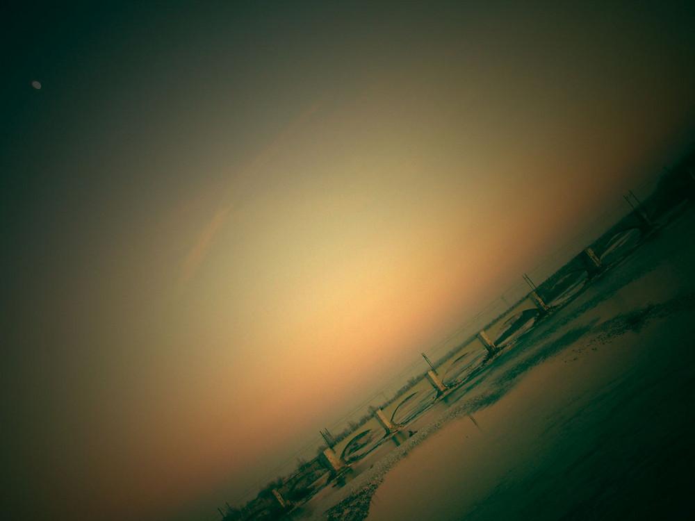 di lune e tramonti.