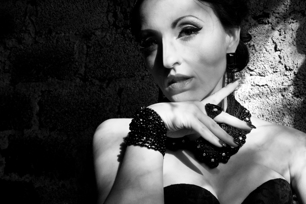 Dia Dence, Burlesque Künstlerin