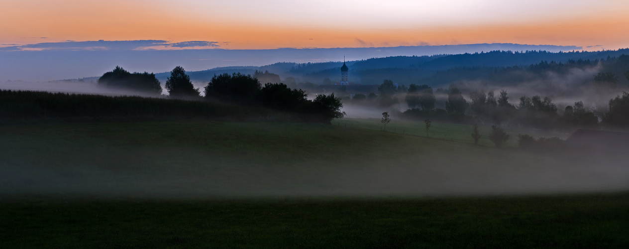 Die Abtei im Morgenlicht