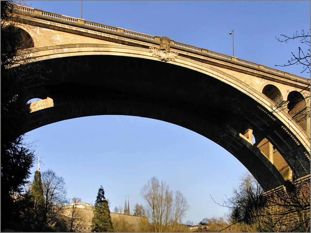 Die Adolphe-Brücke in Luxemburg