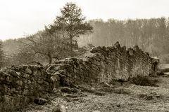 Die äußere Klostermauer, Außenansicht