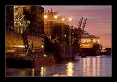 die almerode und andere schiffe in romantischem abendlicht