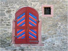 Die alte bunte Tür