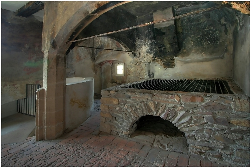Die alte Burgküche...