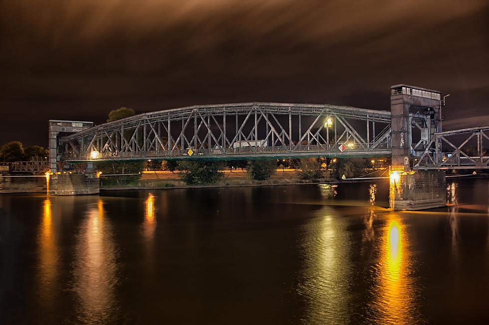 Die alte Hubbrücke...