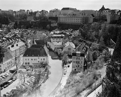Die Alzette in Luxemburg-Grund