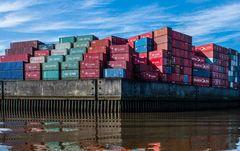 """Die """"American Lancer"""" war das erste Containerschiff ,in Hamburg"""