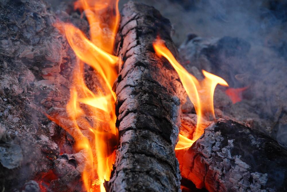 die Asche vom Osterfeuer