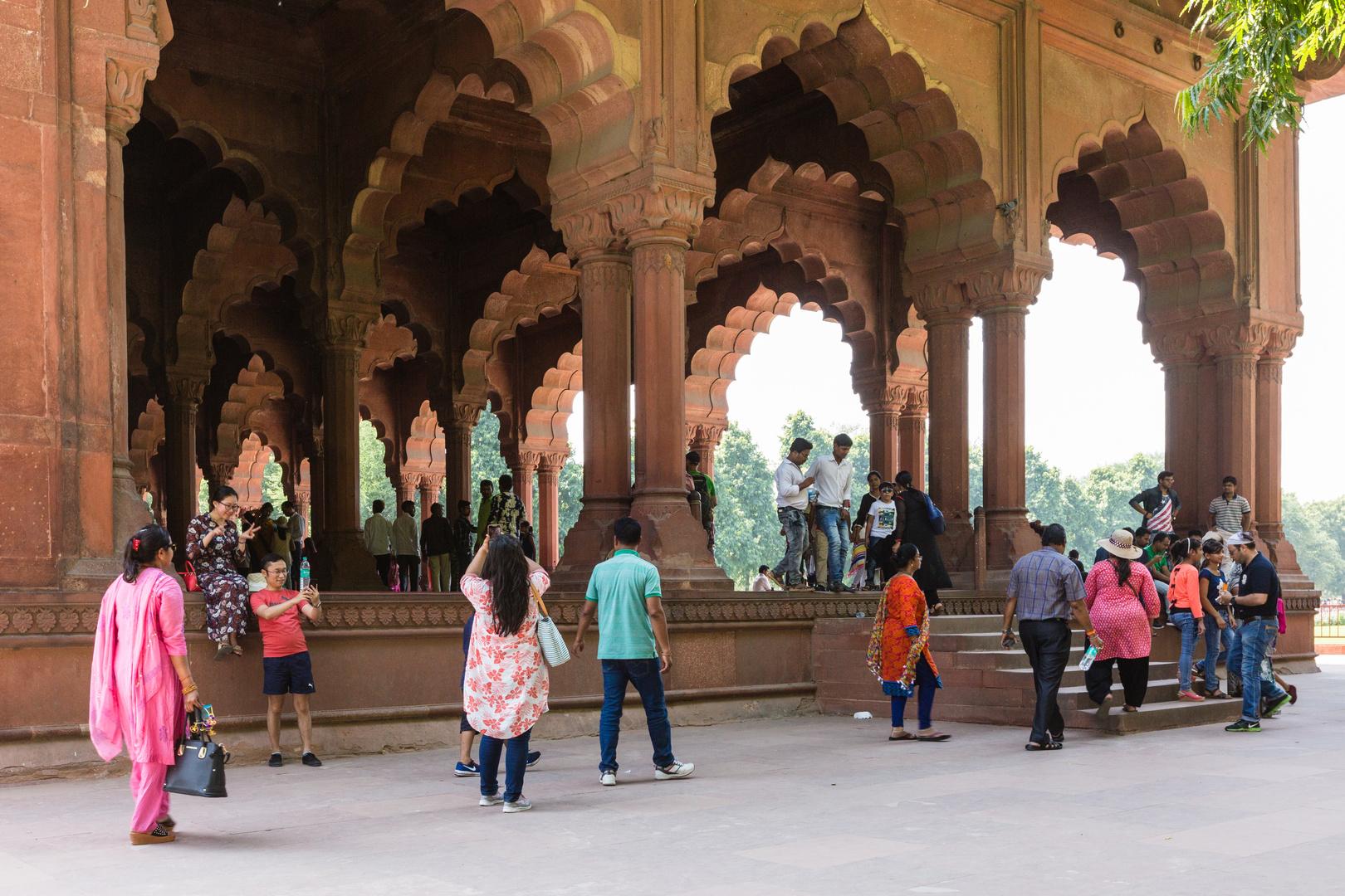 Die Audienzhalle im Roten Fort in Delhi