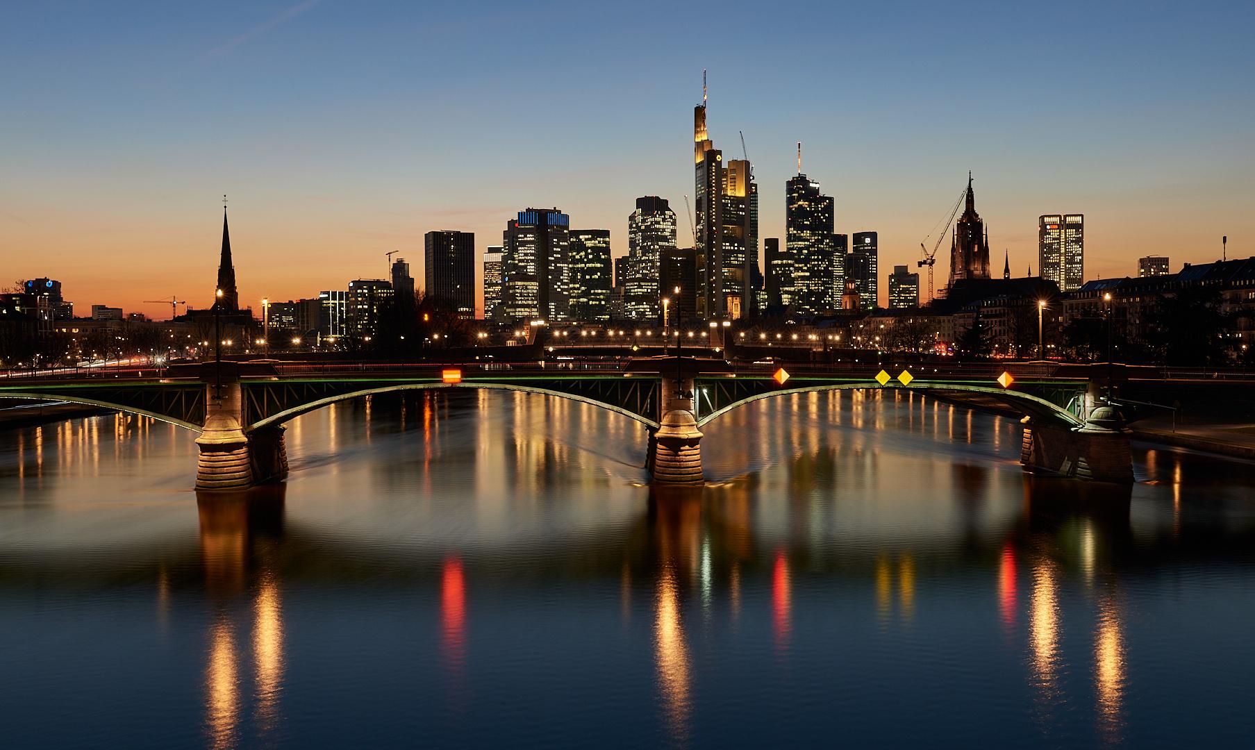 Die Aufnahme ist ein MUSS, wenn man in Frankfurt ist, das Wetter hat perfekt ...