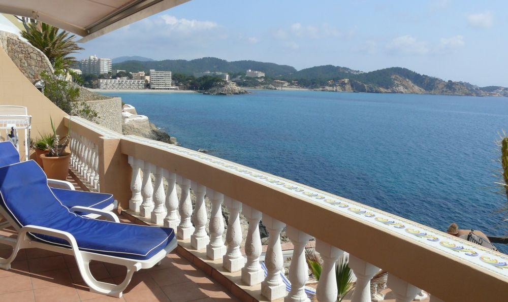 Die Aussicht vom Balkon unserer Ferienwohnung ...