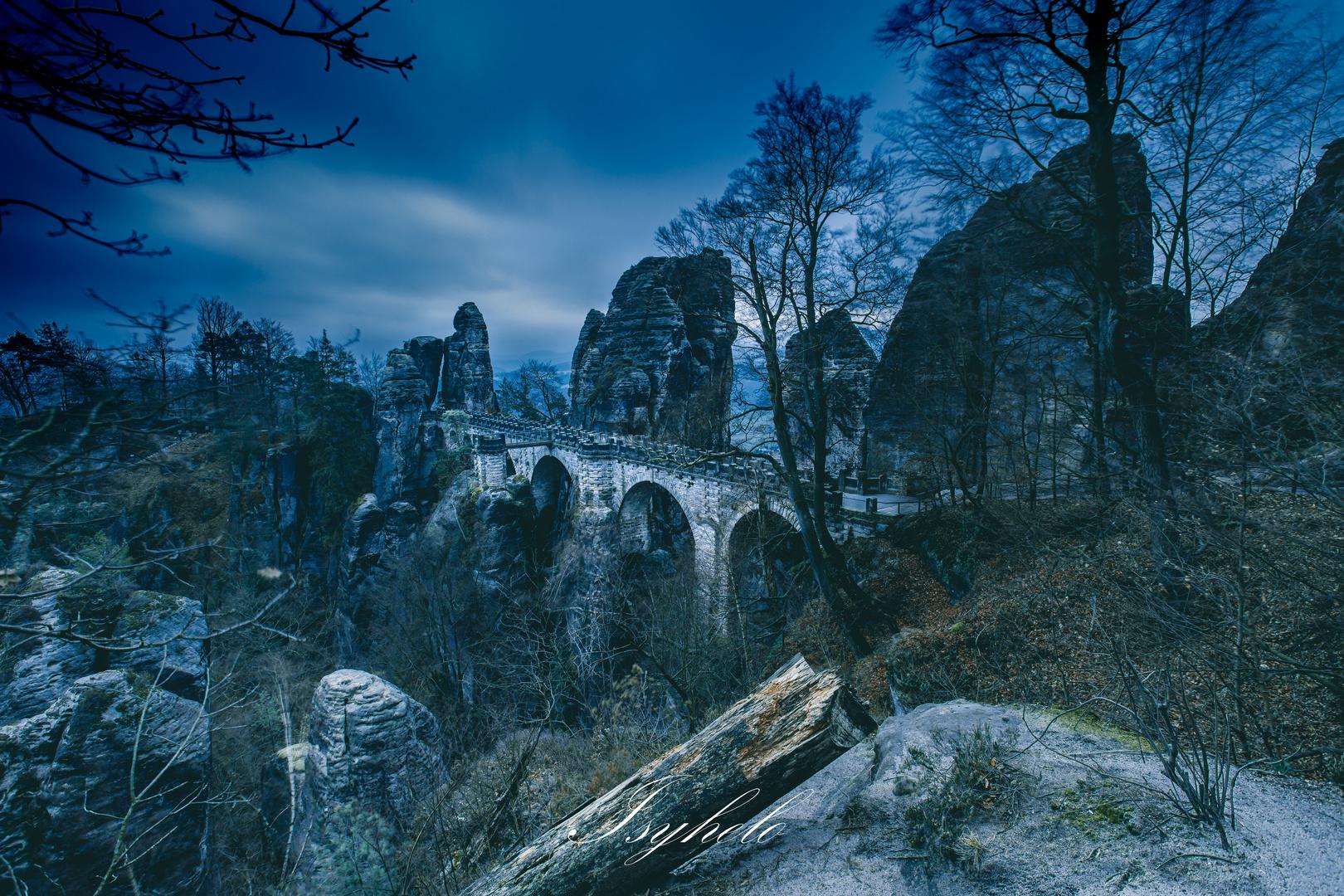 Die Basteibrücke im frühen Morgen