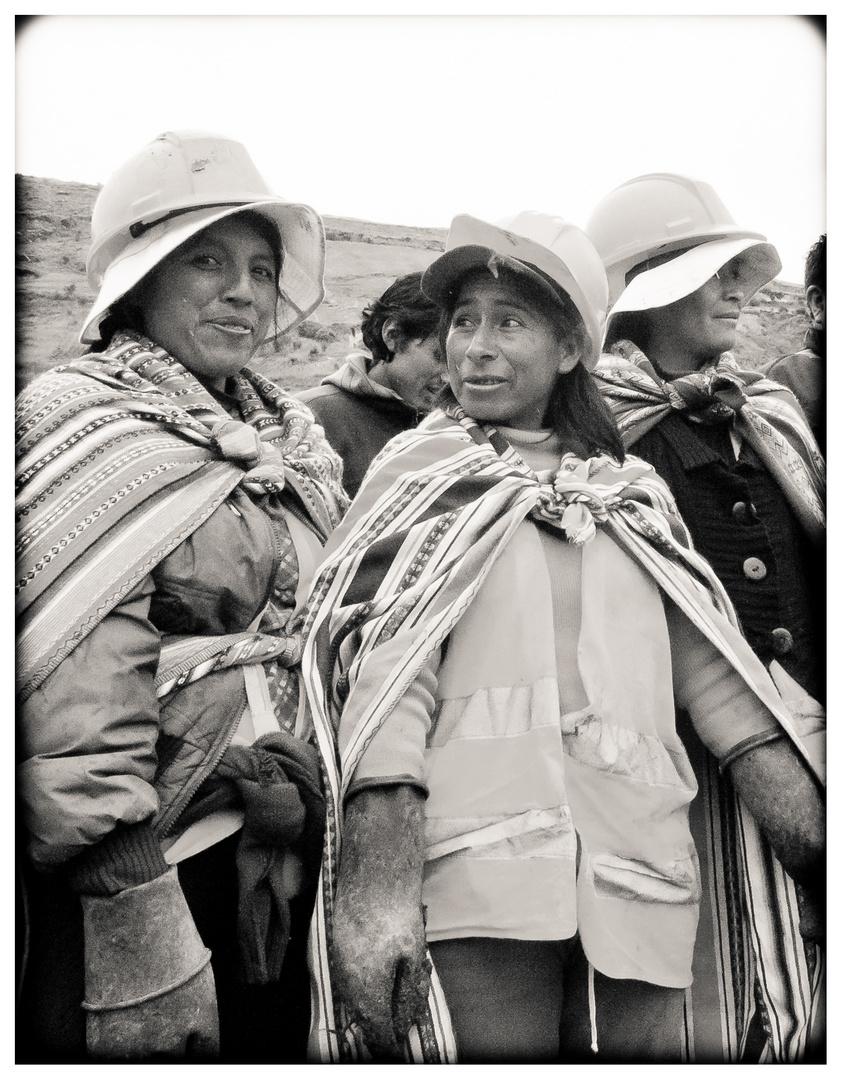 Die Bauarbeiterinnen Von Jauja 1 Foto Bild South America Peru