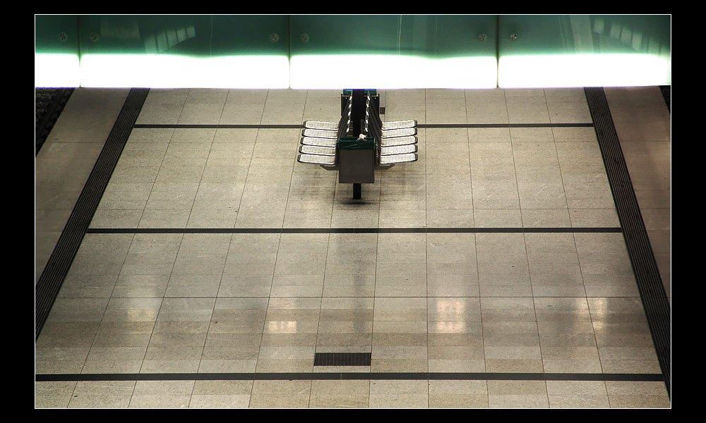 Die beklemmenden Gefühle in leeren U-Bahnstationen