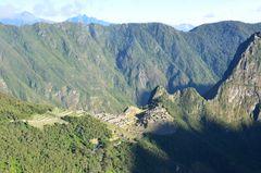 Die berühmte Inka-Stadt Machu Picchu in der Morgensonne