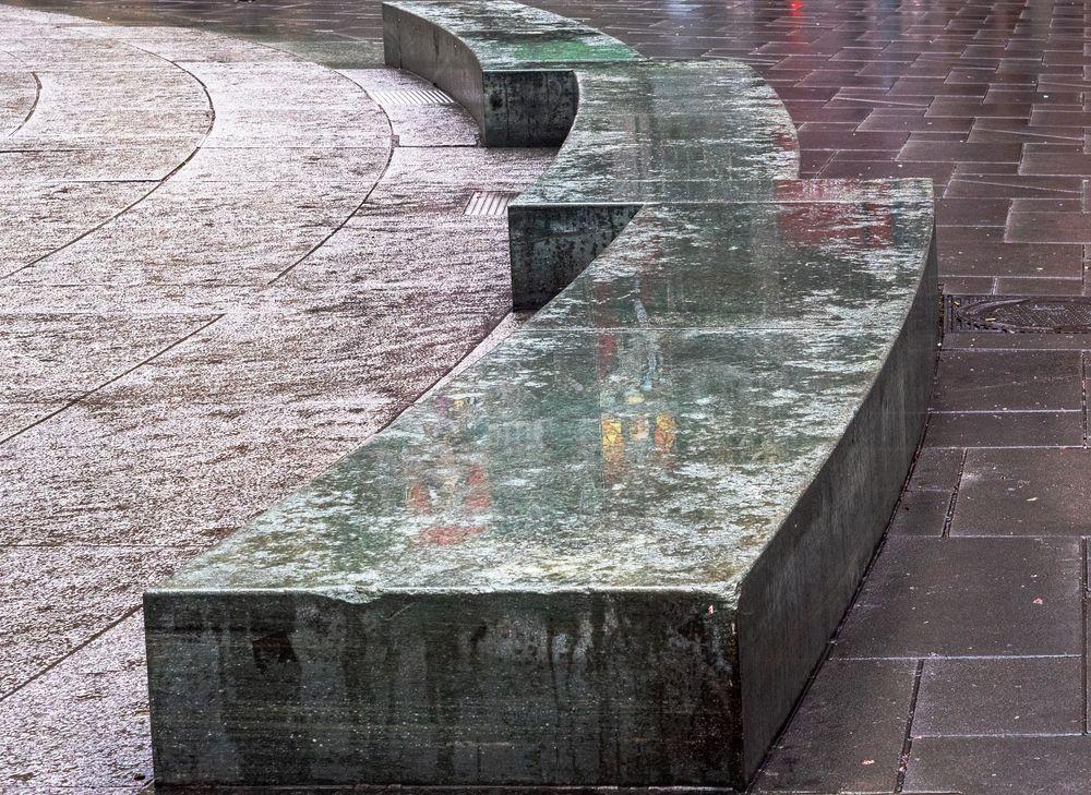 die betonsitzflächen...