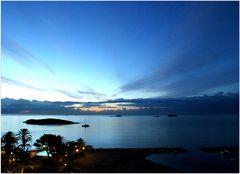 Die blaue Stunde am frühen Morgen