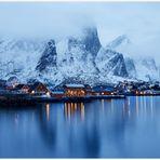 Die blaue Stunde auf den Lofoten