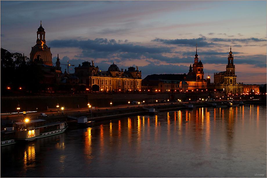 Die Blaue Stunde in Dresden ...