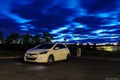 Die Blaue Stunde und das Auto