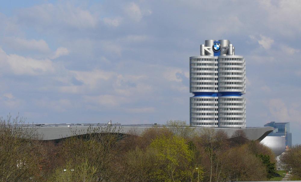 Die BMW Welt in München vom Wiener Architekturbüro coop himmelb(l)au